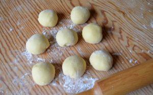 8 pieces of dough