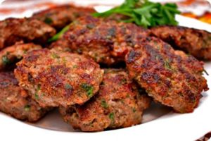 Several cutlets on a platter